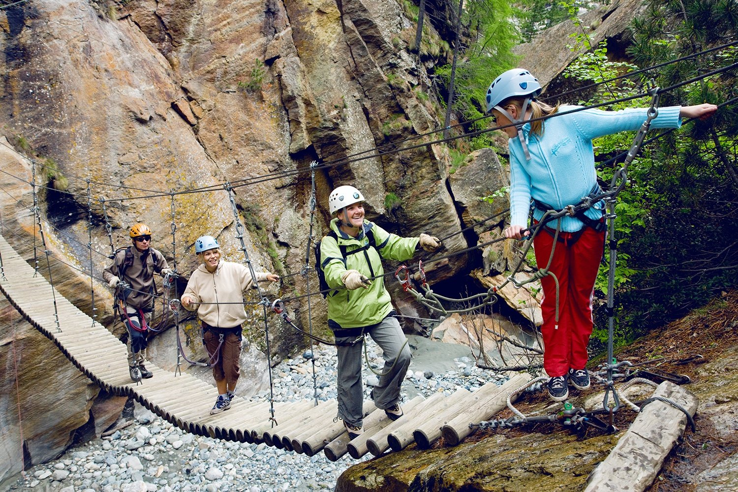 The adventure tour takes you through the gorge between Saas-Fee and Saas-Grund. Using Zip Line, rope bridges, ladders and ropes to traverse the Fee Gorge. Imagine canyoning without water!
