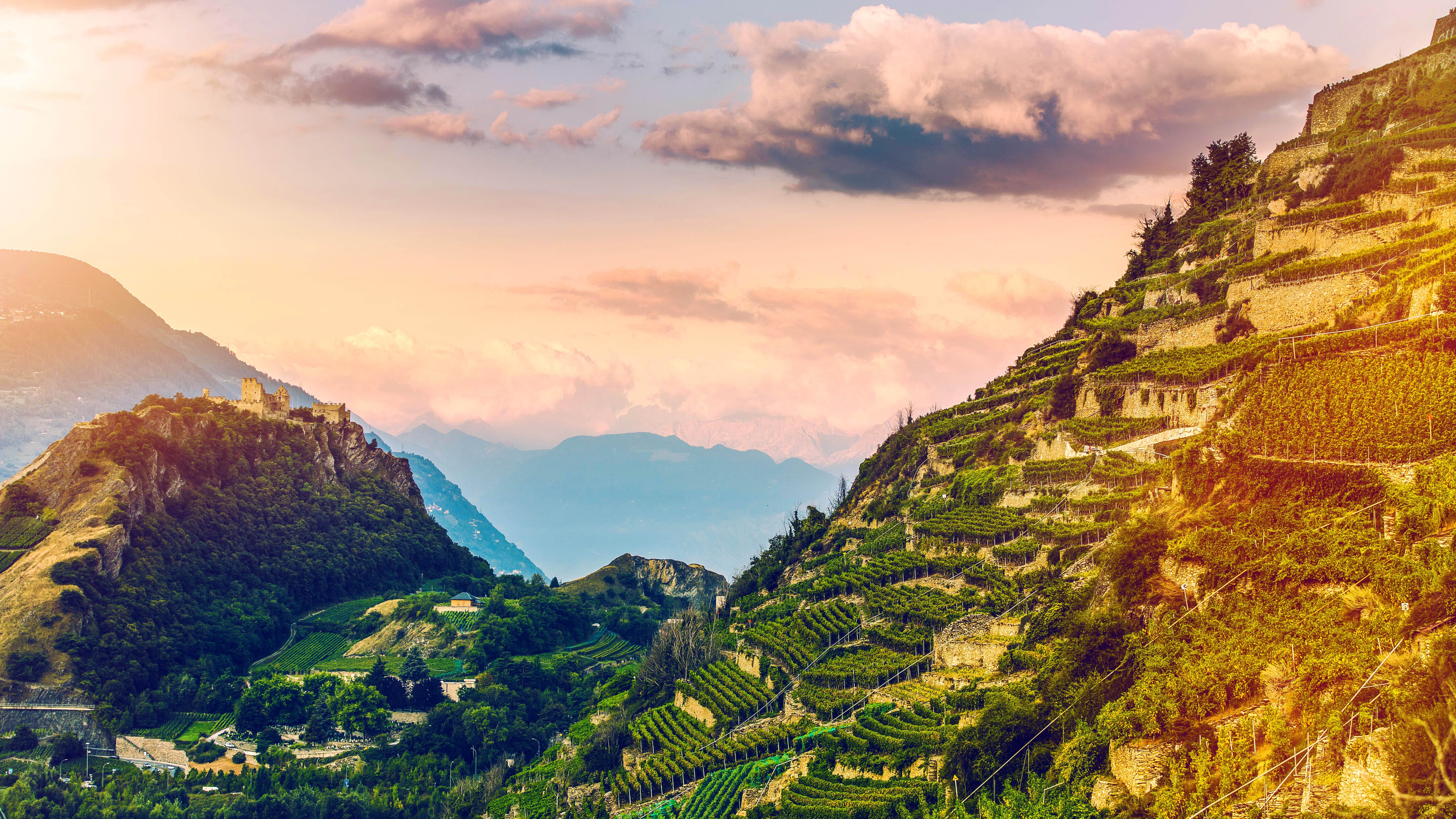 From beautiful hillside vineyards to forests and meadows basking in the sun. This first stage of the Valais Cycling Tour begins at Sion, the capital of Valais, and takes you through the mountain town of Anzère to the famous mountain resort of Crans-Montana.