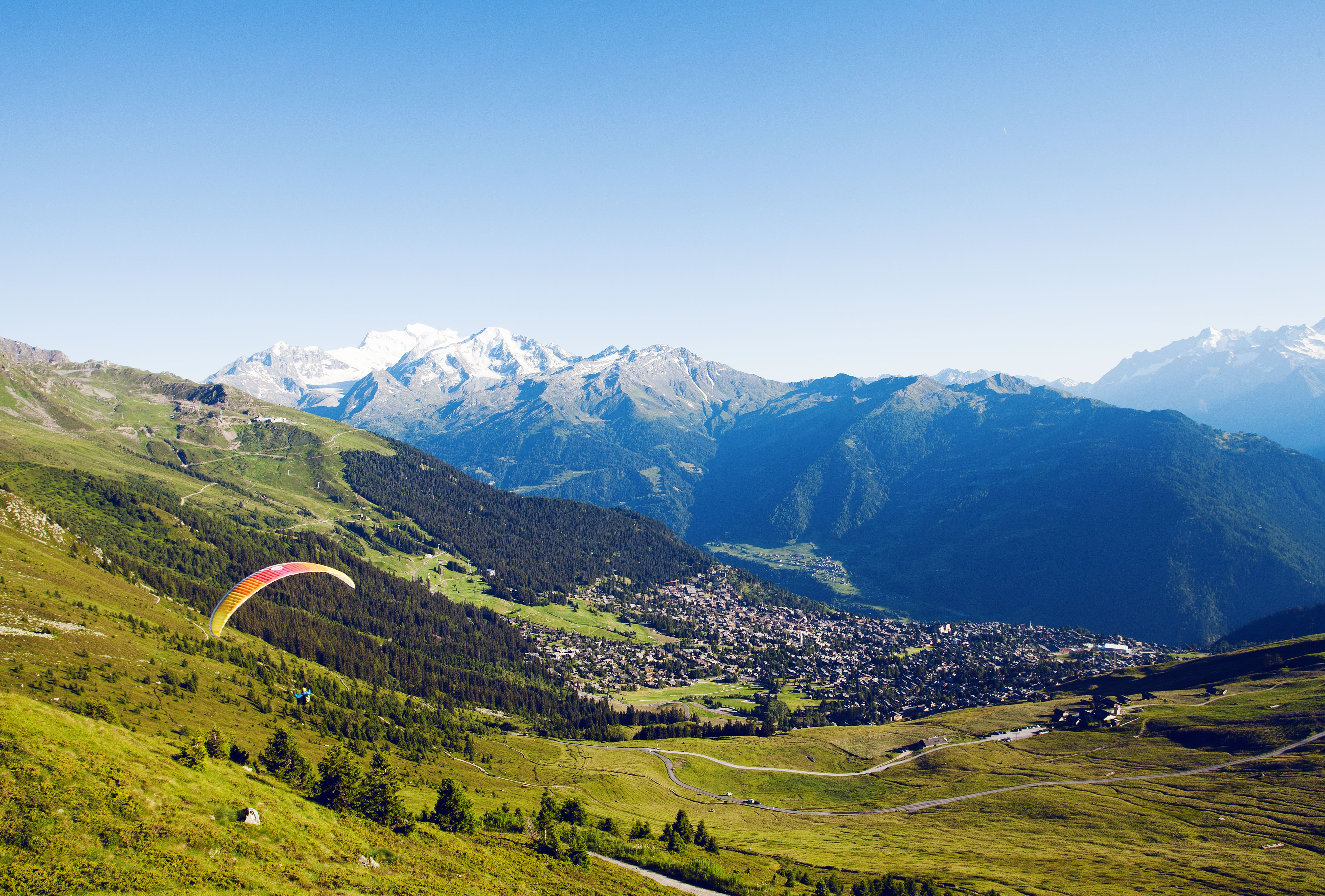 From the famous mountain resort of Verbier to the Vallée d'Illiez, this eighth stage takes you on a voyage of discovery, from the high mountain lake of Champex to the peaceful roads through the Rhone Valley along the banks of the Rhone River.