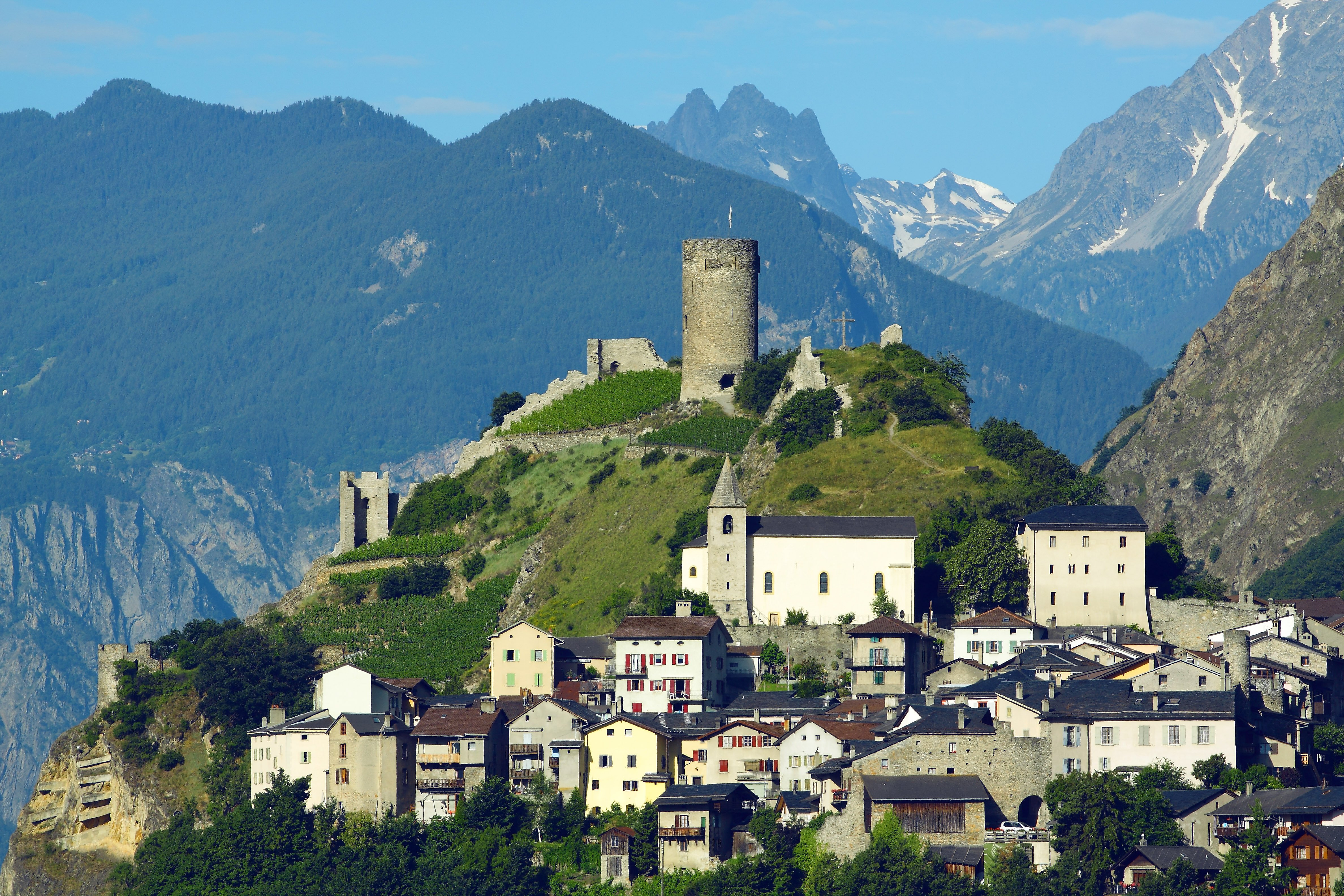 From the lakeside town of Le Bouveret to the capital of Valais, this final stage of the Valais Cycling Tour takes you along the banks of the mighty Rhone River, through Rhone Valley Vineyards, and up a final climb towards the spa resort of Ovronnaz.