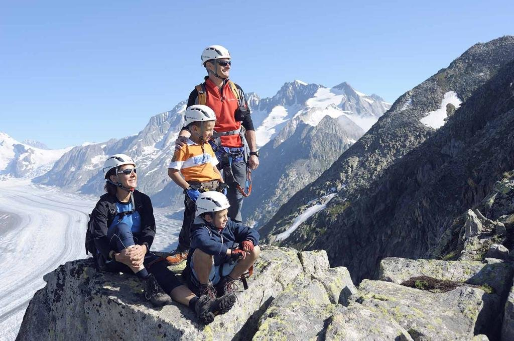 Exciting crossings, vertical climbs and amazing views. Eggishorn via ferrata is a unique experience, and although it demands sure-footedness, a head for heights and good general fitness, it is suitable for the less experienced climber.