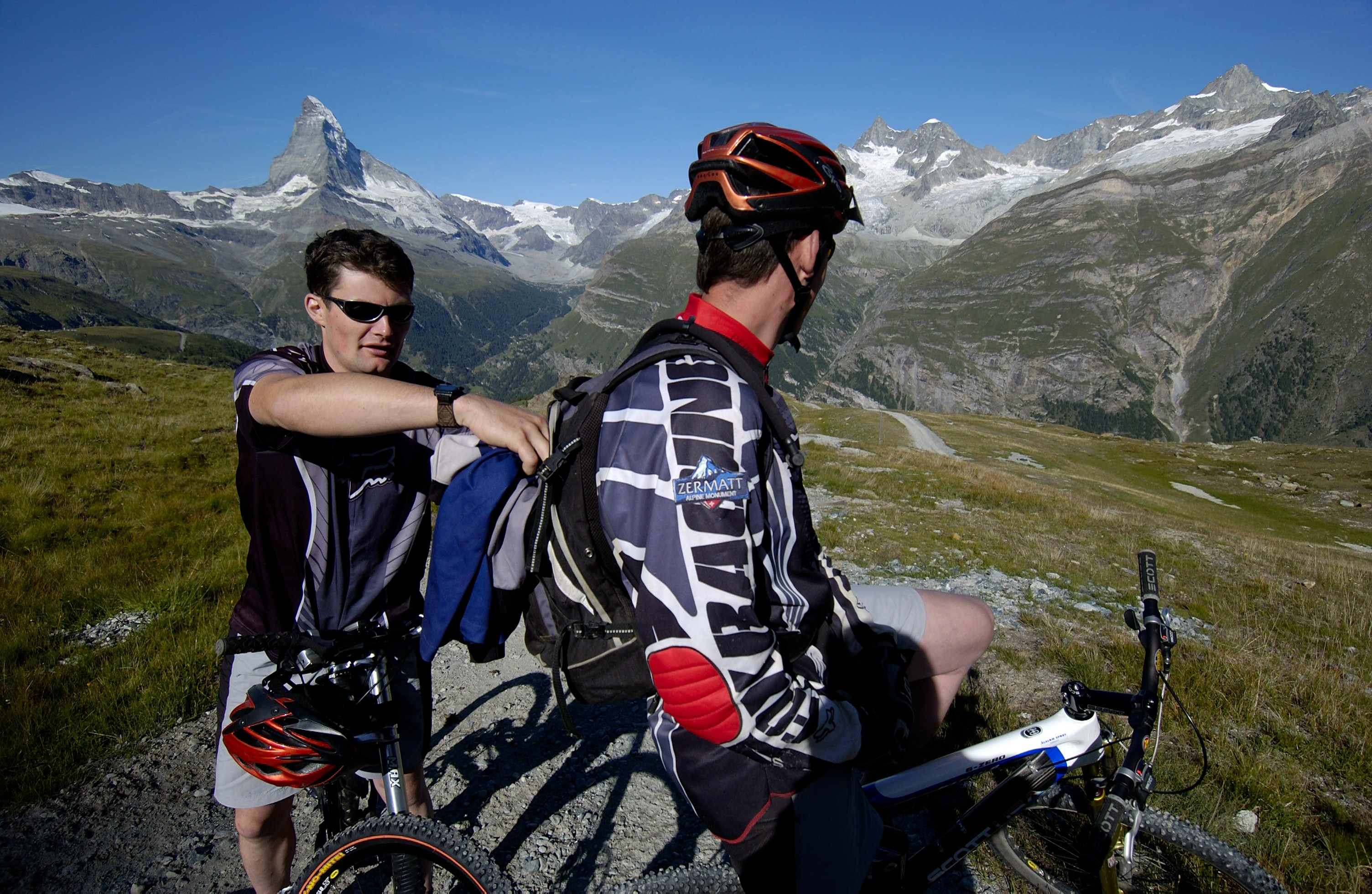 What a run! The downhill from Rothorn to Zermatt entails a vertical drop of 1,678 m. Top tip: stay relaxed and enjoy the ride!