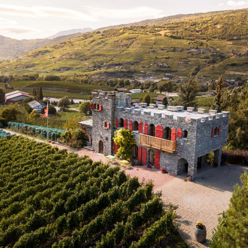 Stay in the heart of the vineyard